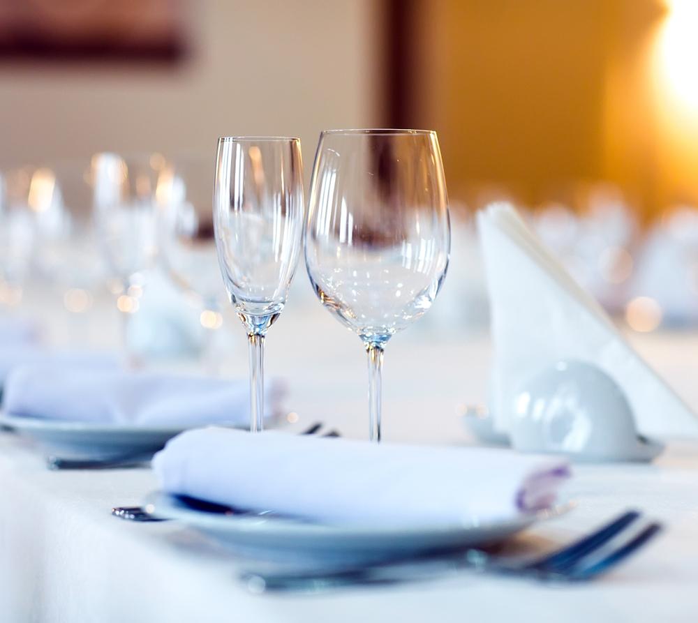 restaurant table linens